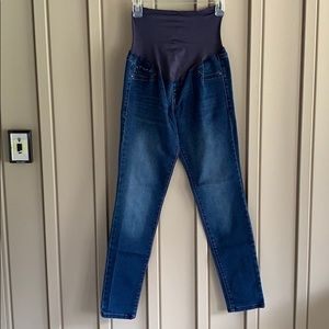 Old Navy Dark Wash Maternity Jeans size 6